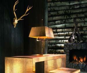 Bladgoud op houten meubelen