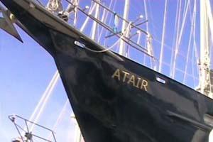 Naam in bladgoud op boot