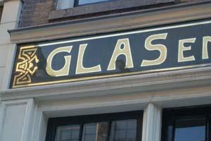 Bladgoud achter glas