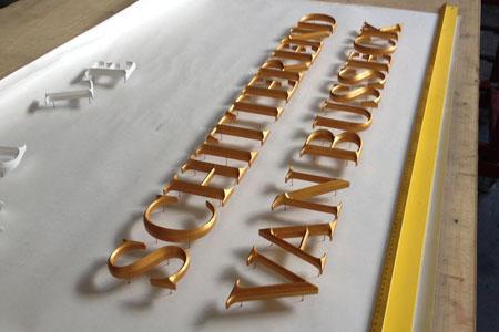 Prismatische_letters_10cm_hoog_reclame